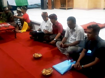Team Promosi Universitas Triatma Mulya Jembrana Sosialisasi di Banjar Anyar Sari Kelurahan Bale Agung Negara