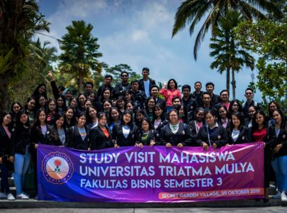 Study Visit Secret Garden Village Mahasiswa Fakultas Bisnis Universitas Triatma Mulya
